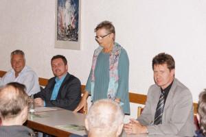 V.l.: Stadtbürgermeister Martin Müller, Ortsvereinsvorsitzender Christian Brand, Emmy Steffan und Bürgermeister Harald Westrich