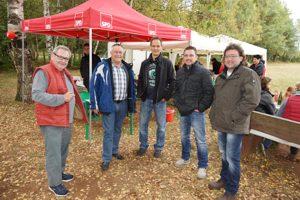 Auch Landratskandidat Martin Müller (2.v.l.) schaute beim Grillfest vorbei. Dazu (v.l.) Herbert Kafitz, Martin Klußmeier, Christian Brand und Klaus Rosenthal