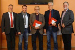 Stadtbürgermeister Martin Müller, SPD-Ortsvereinsvorsitzender Christian Brand, Hans Ettl, Walter Eichler und Gustav Herzog (MdB) bei der Ehrung für 40-jährige Parteimitgliedschaft
